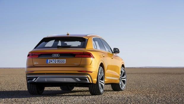 Audi Q8 dragon orange rear