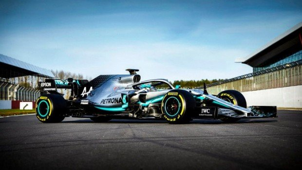 Mercedes-AMG Petronas W10 EQ Power+ 3