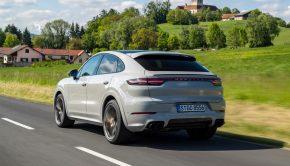 Porsche Cayenne GTS Coupé motion