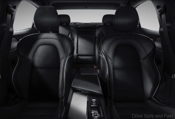 Volvo S60 T8 front seats