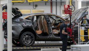 Aston Martin DBX_factory production