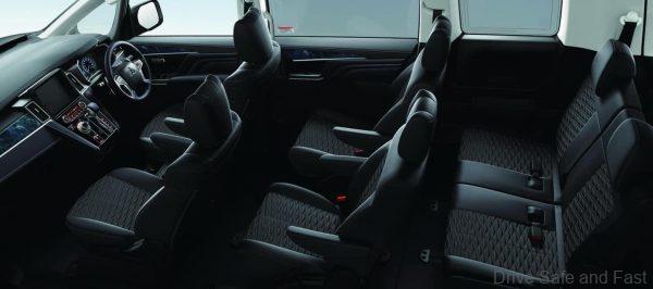 Mitsubishi Delica D:5_MPV_cabin seating