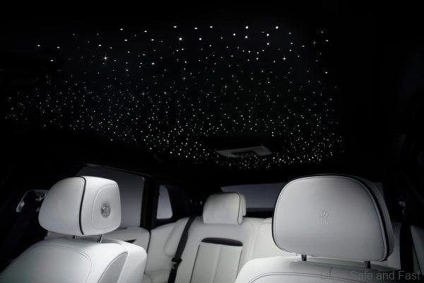 Rolls Royce Ghost 2021 cabin skylight