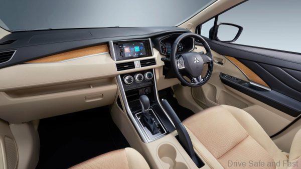 Mitsubishi Xpander dashboard